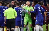 Chelsea và Leicester suýt 'tẩn' nhau ở Stamford Bridge
