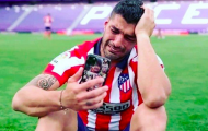 Suarez khóc nức nở khi vô địch, không quên trách móc Barca