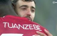 Man Utd bại trận, Bruno Fernandes khóc sưng húp cả mắt