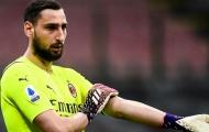 Rời Milan vì tiền, 'tiểu Buffon' bị chỉ trích thậm tệ