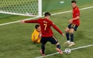 Morata đáp trả chỉ trích từ CĐV