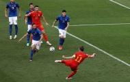 Cầu thủ xứ Wales đồng loạt ôm đầu sau pha hỏng ăn khó tin của Bale