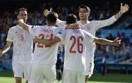 Hạ màn bảng E: Lewandowski chia tay EURO, Tây Ban Nha tự làm khó mình