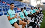 Ronaldo hóa trẻ con, Pepe chỉ còn biết cười trừ
