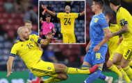 Cận cảnh pha đốn chân thô bạo của sao Thụy Điển