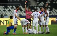 Jesus nhận thẻ đỏ, Brazil vẫn đánh bại Chile