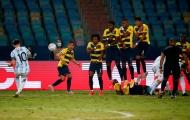 Messi sút phạt đẳng cấp, Argentina thắng hủy diệt Ecuador