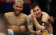 Neymar gây choáng, khóc nức nở rồi cười toe toét bên Messi