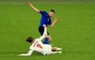 Jorginho thoát thẻ đỏ sau pha vào bóng ác ý với Grealish