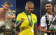 Alves, Messi, Ronaldo: Ai giành nhiều danh hiệu nhất lịch sử?