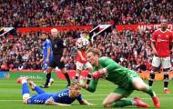 Man United ghi bàn từ tình huống tấu hài của sao tuyển Anh