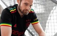 Daley Blind đẹp trai như người mẫu, quảng bá áo đấu Ajax
