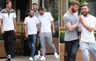 Dàn sao Man United tươi rói khi xuống phố