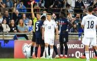 Tân binh hụt Chelsea lĩnh thẻ đỏ, Pháp ngậm ngùi chia điểm với Bosnia