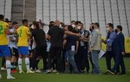 Cảnh sát xông vào bắt cầu thủ, trận Brazil - Argentina phải tạm hoãn