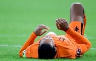 Klopp gọi điện hỏi chấn thương, Van Dijk trả lời 200%