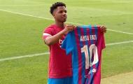 Barca muốn giữ chân người kế thừa Messi