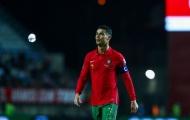 Ronaldo đi vào lịch sử, huyền thoại Roy Keane khen ngợi hết lời