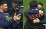 Lionel Messi tái ngộ Ronaldinho trên SVĐ Công viên các Hoàng tử