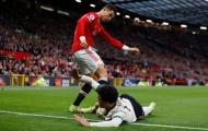 """""""Không ai có thể biện hộ nếu Ronaldo bị đuổi khỏi sân"""""""