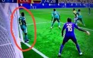 Đứng chống hông nhìn đối thủ ghi bàn, sao Senegal bị CĐV tố bán độ