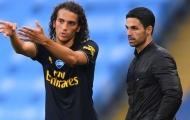 Thấy gì từ động thái quyết đẩy 'trẻ hư' khỏi Emirates của Mikel Arteta?