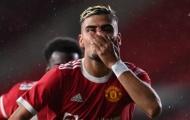 Rời OTF, sao Man Utd làm đồng đội của Ozil?