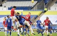 Pha phòng ngự theo phong cách 'túy quyền' đầy hài hước của Maguire trước Leicester
