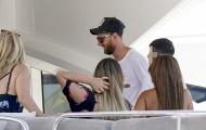 Bỏ lại nỗi buồn World Cup, Messi lên du thuyền nghỉ mát cùng gia đình