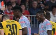 Solskjaer bất bình cho Wan-Bissaka khi chứng kiến De Bruyne thoát thẻ đỏ