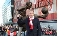 Dennis Bergkamp cập nhật về thương vụ 1,8 tỷ bảng của Arsenal