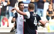 Van der Sar chỉ ra cầu thủ làm gợi nhớ đến Ronaldo thời trẻ