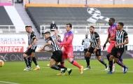 Hậu vệ Newcastle tiết lộ mệnh lệnh của Steve Bruce giữa trận gặp Chelsea