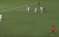 CHOÁNG! Bất lực trước U22 Indo, cầu thủ U22 Myanmar đá đít đối phương