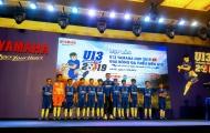 Quang Hải 'tiếp lửa' cho các cầu thủ nhí U13