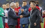 Bị phản đối mạnh mẽ, Dietmar Hopp gọi fan Bayern là lũ ngốc