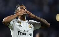 Fan Real: 'Benzema hãy hỗ trợ cậu ấy như đã từng với CR7'