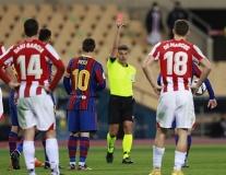 SỐC! Đánh nguội, Messi lần đầu tiên nhận thẻ đỏ trực tiếp