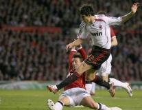 Đội hình 11 vị trí ghi bàn nhiều nhất Champions League: Thủ môn ẵm 3 bàn