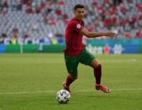 Tốc độ kinh hoàng trong màn nước rút 97 mét của Ronaldo
