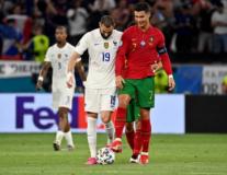 Vừa ghi bàn, Benzema lập tức làm 1 điều với Ronaldo