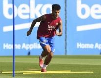 Bom xịt 142 triệu của Barca trở lại tập luyện, đếm ngày phán quyết tương lai