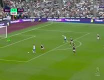 Greenwood nổi cáu với pha xử lý của Ronaldo