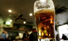 Pháp cân nhắc cấm bia rượu tại Lens trong thời gian EURO 2016
