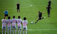 Sau tất cả, Higuain 'khai hỏa' ở MLS với bàn thắng khó tin