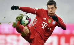 Thành tích ghi bàn của Lewandowski chỉ còn kém Messi, Ronaldo