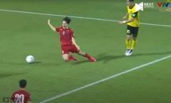 Các 'sếp' Malaysia xác nhận penalty là đúng và Văn Toàn không ăn vạ