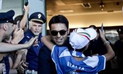 Thầy trò Conte trở về trong vòng tay người hâm mộ