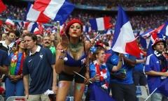 Fan nữ nóng bỏng cổ vũ chung kết EURO 2016