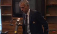 Sao sống sao? - Thầy trò Mourinho dắt nhau đi 'học hè'